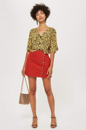Horn Button A Line Denim Skirt 300x450 - The Fashion Edit - 12 of the Weekly Best